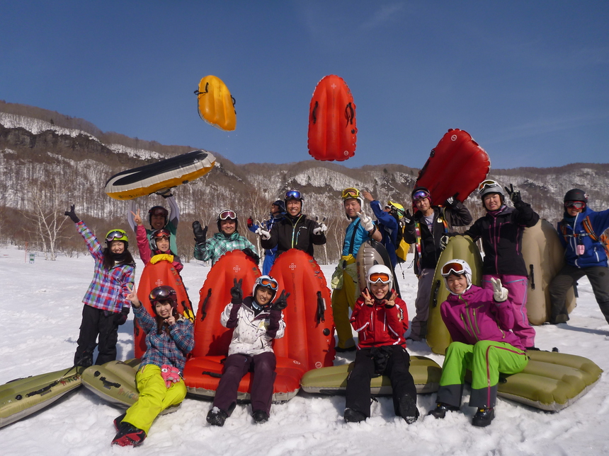 冬シーズンイン!みんな一緒にエアーボードで滑り始め!!